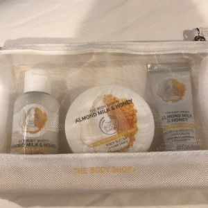 The body shop 3 pc gift set